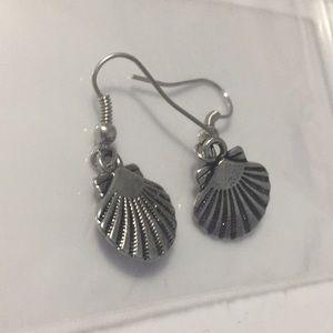 Jewelry - Silver shell earrings